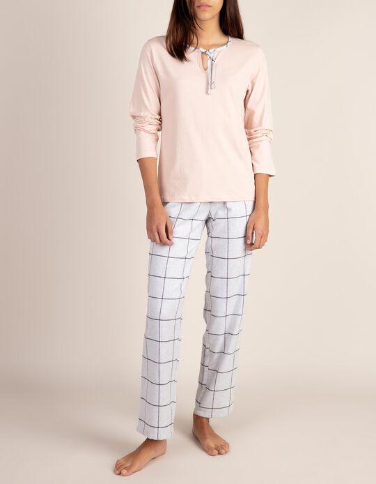 Pijama com padrão aos quadrados
