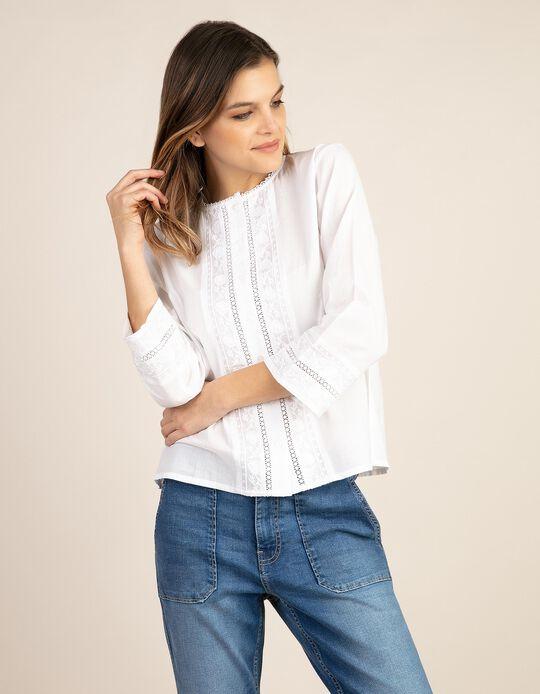 Blusa com bordado inglês