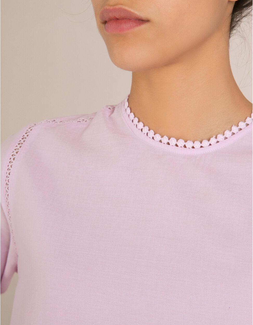 Blusa Com Crochet