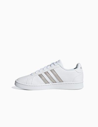Sapatilha Adidas Gr Court com listas em prateado