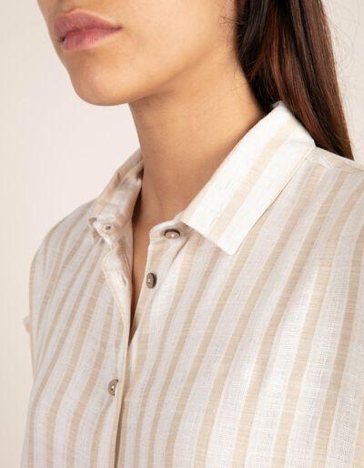Blusa de manga curta às riscas com um toque de linho