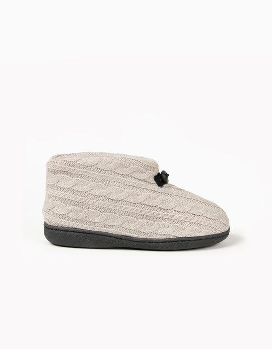 Pantufa estilo bota em malha entrançada