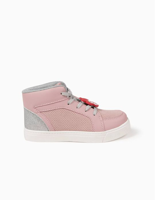 High-Top Trainers, Minnie
