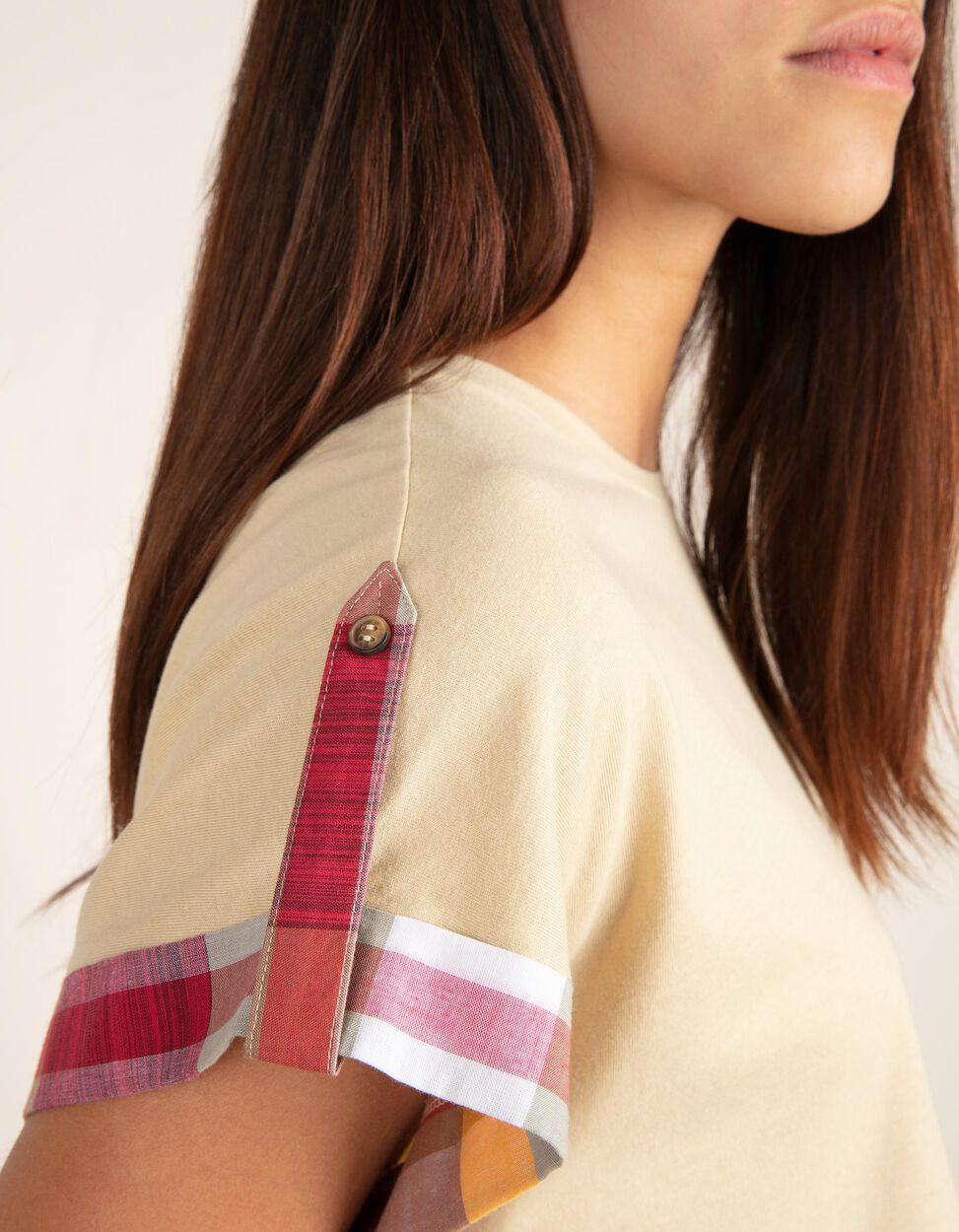 T-shirt com detalhe em tartan na manga