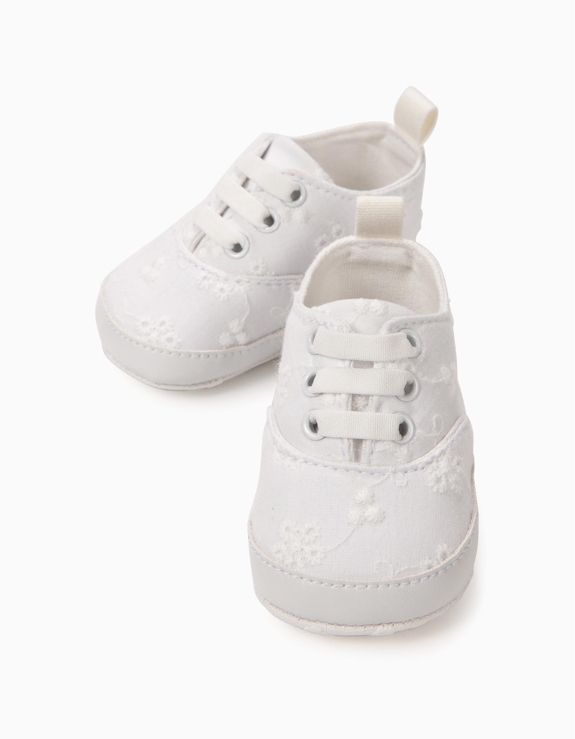 Sapatilhas Bordadas para Recém Nascida, Branco