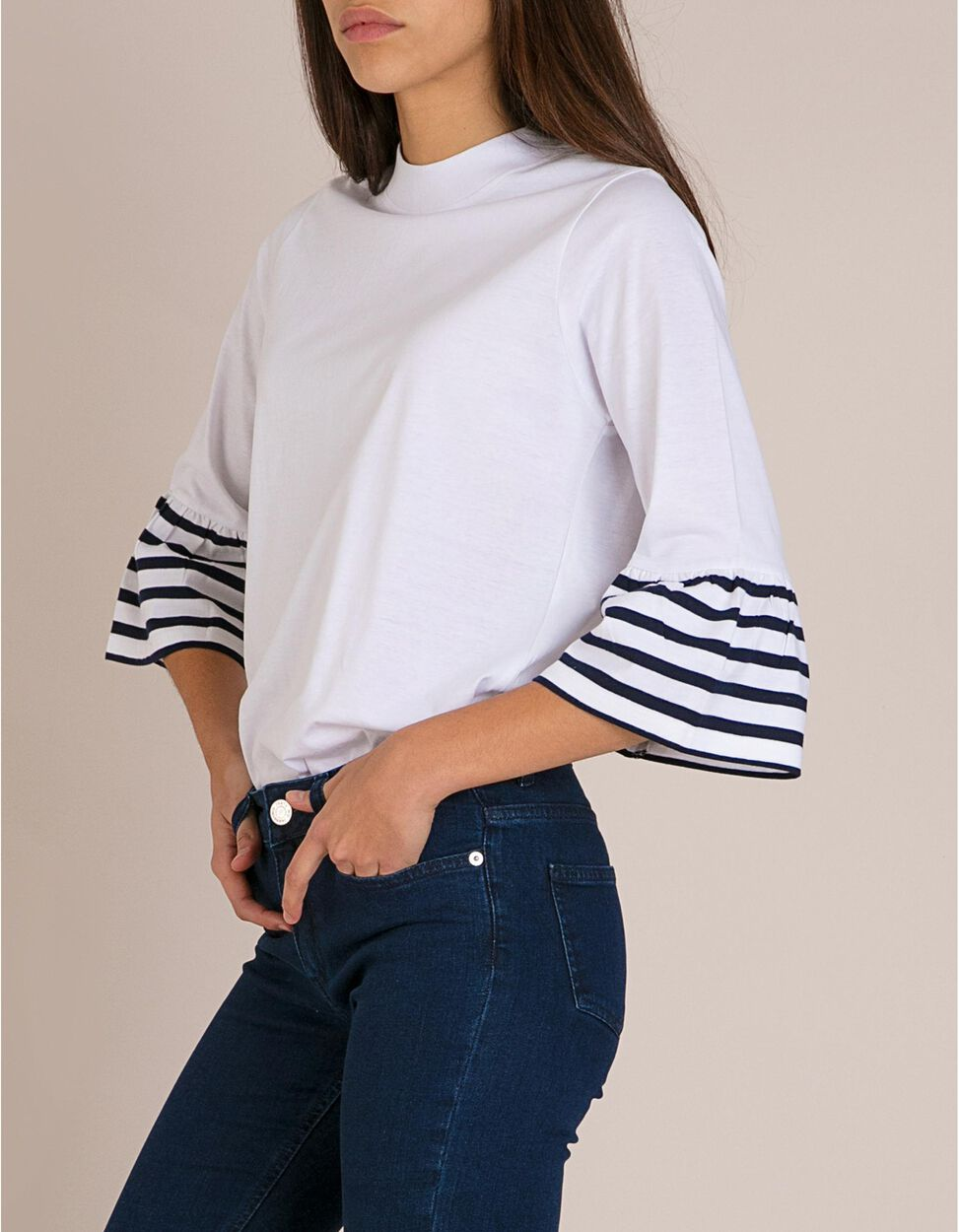 T-Shirt Com Folhos