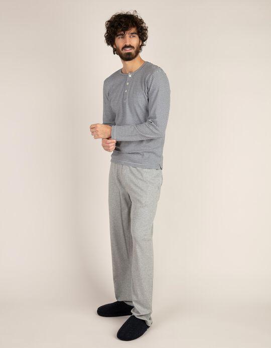 Conjunto de pijama às riscas