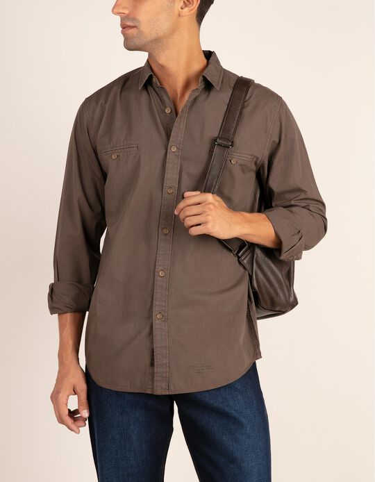 Camisa regular fit com bolsos