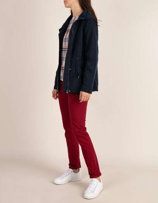 Calças jeans vermelhas
